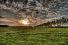 sunset series 4 (stevefge) Tags: sunset sun netherlands landscape sundown nederland nd beuningen sunbeams nederlandvandaag reflectyourworld