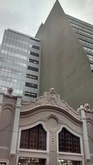 Banco Central e GBOEX (Gijlmar) Tags: brazil window southamerica brasil ventana cloudy fenster portoalegre brasilien finestra janela fentre architeture riograndedosul brasile brsil okno amricadosul venster brazili amriquedusud  amricadelsur ablak