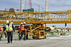 r_160428421_kos_a (Mitch Waxman) Tags: newyorkcity newyork construction scaffold greenpointbrooklyn newtowncreek laborers constructionequipment kosciuszkobridge nysdot dukbo