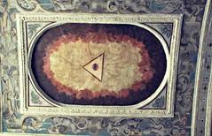 Occhio (**yukiko**) Tags: san arte sacra chiesa di napoli occhio carbonara giovanni simboli triangolo esoterismo provvidenza araldici