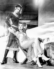 Relations (zventure,) Tags: portrait blackandwhite paris mannequin monochrome couple noiretblanc duo femme hasselblad deux mode femmes intrieur argentique 500cm modle galerievivienne zventure