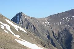 l'imponenza del Pizzo Berro 2.260 mt (Roberto Tarantino EXPLORE THE MOUNTAINS!) Tags: 2000 natura neve montagna cima monti cresta passo sibillini cattivo altaquota vallinfante cannafusto