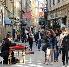 Old Town busker (bokage) Tags: street sweden stockholm gamlastan busker oldtown bokage