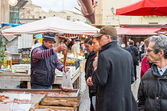 Street market, Palermo (koupald) Tags: travel people italy fish streets nikon italia market streetphotography stall mercado sicily nikkor palermo sicilia marketstall  bancarelle  50mmf18g  nikond610