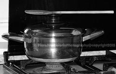 equilibrismi (AnserApulo69) Tags: cucina legno cucchiaio pentola
