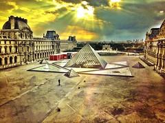 (munlogs) Tags: paris france louvre musedulouvre louvremuseum pyramidedulouvre louvrepyramide