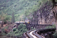 Thailand - Kanchanaburi - The wooden trestle (railasia) Tags: trestle thailand infra nineties srt henschel krasae wangpho metergauge series3000 changwatkanchanaburi dhlocotrain