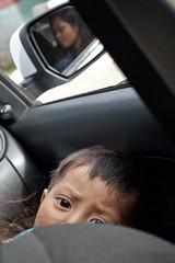 Nio y su madre (raulmadrid1) Tags: travel mxico nikon roadtrip adventure jungle chiapas tzotzil sancristbal