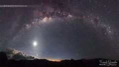 - A la bonne heure - (Frog 974) Tags: panorama lune ngc ciel nuit nocturne voie toile astronomie astrophotographie lacte ledelarunion toil astres