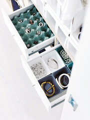 Egg Carton Jewelry Organizer (Heath & the B.L.T. boys) Tags: drawers eggcarton organize