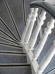 Kurvig (MKP-0508) Tags: stairs denmark handle treppe staircase curve dnemark danmark dansk kurve escaliers gelnder handlauf abenraa