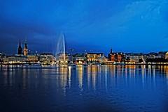 Hamburg at night (Tobi_2008) Tags: city sky water skyline germany deutschland wasser nightshot hamburg himmel ciel stadt tobi allemagne germania nachtaufnahme supershot diamondclassphotographer