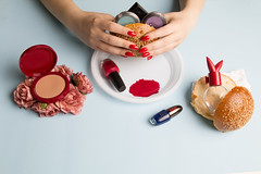 Belli Dentro (lauradonati_5) Tags: stilllife makeup concettuale