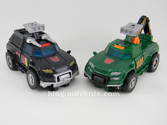 Transformers Hoist Deluxe - Generations Takara - modo alterno vs Trailbreaker (mdverde) Tags: deluxe transformers generations takara autobots hoist trailbreaker