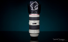 70-200 (Raph/D) Tags: camera red lightpainting colors japan canon lens eos photo zoom top gear 7d pro l hood series catchy lightroom 70200mm objectif lseries 2470mm ef70200mmf28lusm canoneos7d ef2470mmf28liiusm