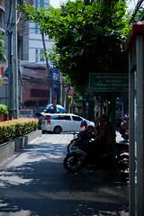 Bangkok urban streetscape (saitok) Tags: afszoomnikkor2470mmf28ged nikondf