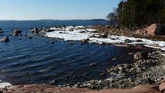 Stony seashore in Srkiniemi (Lauttasaari, Helsinki, 20160312) (RainoL) Tags: winter sea ice finland geotagged march helsinki balticsea helsingfors fin seashore lauttasaari 2016 uusimaa nyland drums srkiniemi mrtns fz200 201603 srkiniemenpuisto mrtnsparken 20160312 geo:lat=6014457077 geo:lon=2487668503