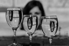Reflet (Les_Pas_Presses) Tags: portrait pose studio lumire femme explore exposition reflet beaut lucille bonheur genre regard noirblanc clart modle refle mystre matriel sensualit sigma70200 oeilouvert lespaspresss nikond750