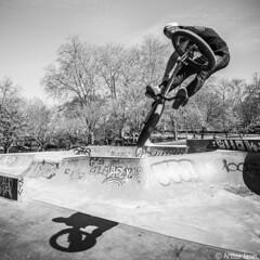 Turndown! (Arthur Janin.) Tags: leica france bike digital arthur bmx angle cosina voigtlander wide super el f45 sl skatepark trick toulouse condor rider 15mm asph jumeaux heliar janin 601 turndown typ601
