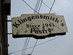 Klingensmith's Pastry, Warren, OH (Robby Virus) Tags: ohio sign closed steel business bakery pastry warren klingensmiths