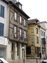 IMG_9125 (NICOB-) Tags: troyes ruelle monuments maison rue centreville aube colombages