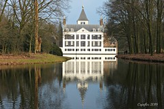 Kasteel Renswoude - Castle Renswoude (Cajaflez) Tags: water reflections pond nederland thenetherlands vijver weerspiegeling reflectie kasteelrenswoude castlerenswoude
