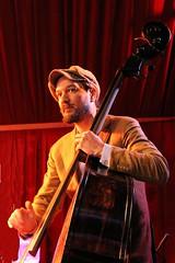 Donn la Fontaine 7457-2_8561 (Co Broerse) Tags: music amsterdam jazz nieuwmarkt doublebass 2016 aprilfeesten contemporarymusic composedmusic cobroerse donnlafontaine fullmoonrootsriot