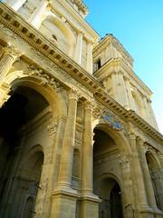 Sainte Marie d'Auch (Doonia31) Tags: cathdrale ciel pierres arcades sculptures tourisme portes auch gers hauteur sudouest gravures
