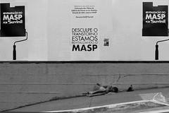 São Paulo, 12 de Junho de 2015 (marcelobergamo) Tags: b brazil bw branco de avenida museu arte w poor wb pb preto sp e augusta paulo bp sao são tramp paulista masp pobreza pretobranco transtorno brancopreto