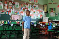 Escuela KM10 (FundacionTropicalia) Tags: arte taller escuela canto pintura tropicalia reciclaje aprendizaje fundación fieltro miches foami apoyoextracurricular tallerextracurricular
