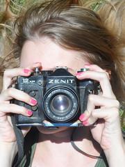 21/366 Click! (JessicaBelotto) Tags: photo foto ar time retrato no rosa days honey hora click antiga zenit fotografia projeto dias livre ano cabelo maquina cmera fotografica fotografando fotografico esmalte 366 loiro 366daysofhoney 366diasnoano