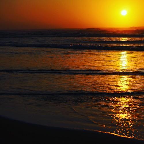 Nascente #nascente #sol #mar #praia #raiodeluz #calor #verao #sc #brasil #brazil #family #familia #ondas #seteondas #camacho #praiadocamacho