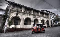 Tuk tuk to clan house (Saint-Exupery) Tags: street calle nikon tuktuk srilanka galle