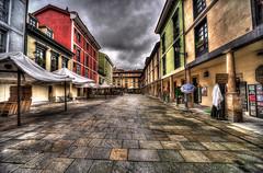 El Fontn (bardaxi) Tags: plaza espaa color photoshop calle spain arquitectura nikon asturias perspectiva oviedo hdr tarde photomatix plazadelfontn