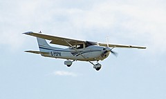 G-POPW Cessna 182S Skylane (David Russell UK) Tags: sport airplane airport aircraft aeroplane landing finals vehicle recreation peterborough cessna 182 skylane conington 182s egsf gpopw