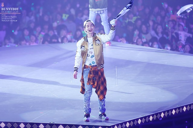 160214 Onew @ 'SHINee WORLD 2016 DxDxD in Kobe' 24440935904_0cd94e6239_z