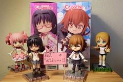 New girls at home, Welcome!!! (Ninotpetrificat) Tags: cupoche kirinokousaka kotobukiya puellamagi madoka schooluniform homura ikaduchi uniform cute japan japantoys toys manga anime figuras figures jfigure
