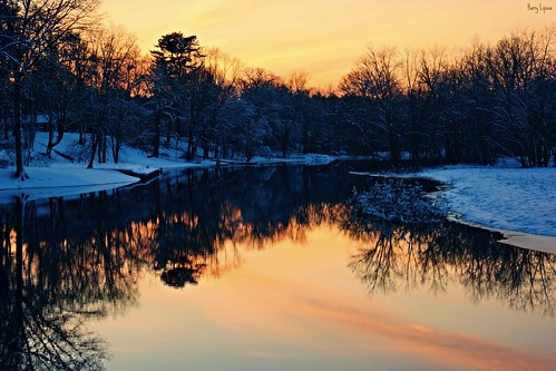 """Riverbend Sunset • <a style=""""font-size:0.8em;"""" href=""""http://www.flickr.com/photos/52364684@N03/25496305951/"""" target=""""_blank"""">View on Flickr</a>"""