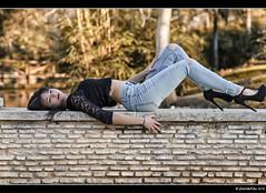 Gema - 1/4 (Pogdorica) Tags: parque chica retrato modelo denim otoo retiro sesion morena gema vaquero posado