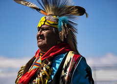 Native American Dancer (LDMcCleary) Tags: portrait colorful bokeh dancer nativeamerican quechanpowwow