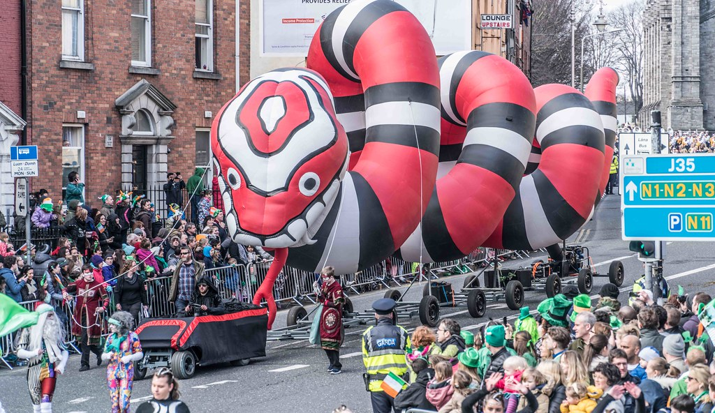 RETURN OF THE SNAKES BY BUI BOLG [SAINT PATRICK'S DAY PARADE]-112698