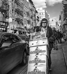 At work (Paco CT) Tags: street city people urban usa ny newyork work calle chinatown place gente outdoor candid escenario unitedstatesofamerica streetphotography scenary urbanscape candidshot 2016 callejera robado fotografiacallejera pacoct