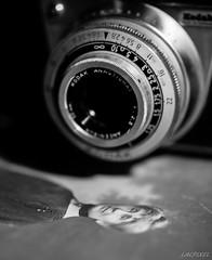 Passion (LACPIXEL) Tags: camera family blackandwhite macro blancoynegro photo nikon foto noiretblanc kodak picture mm monday fx tamron flick camara inheritance appareilphoto reinette hritage ancester d4s macromondays macromonday nikonfrance lacpixel