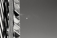 floaters (Rodrigo Alceu Dispor) Tags: city bw building floater clickape