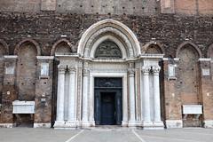 Venise - une porte (http://visiteursdumonde.com) Tags: door venice church porte venise venezia glise