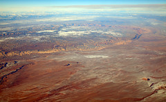 2016_02_10_sba-lax-ewr_516 (dsearls) Tags: red orange snow mountains utah flying desert wind aviation united aerial erosion plains sanrafaelswell ual unitedairlines windowseat windowshot 20160210 sbalaxewr