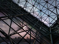Inside the Cube: Moire (Kelson) Tags: cube moire discoverycube