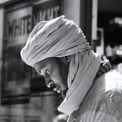 L'homme de Matonge (_ Adle _) Tags: portrait blackandwhite belgique bruxelles nb turban rue profil homme ixelles matonge