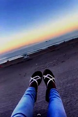 Come watch the sun set on the beach with me#beachlife #pictureholic #lifesabeach #youngphotography #meandmycamera #new (miyaprince) Tags: new beachlife lifesabeach meandmycamera youngphotography pictureholic