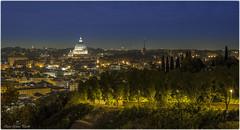 Panorama di Roma (Elanor82) Tags: italien italy panorama rome roma night canon landscape eos lights italia cityscape mark basilica iii vaticano cupola 5d rim rom lazio spietro cupolone